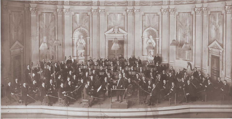 1912-1917-CSO-on-stage---Ernst-Kunwald-2-fixed-960x496.jpg