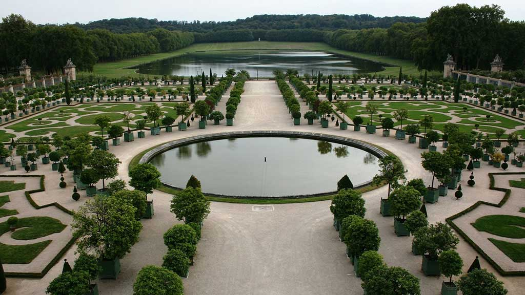 Photograph of an intricate French garden
