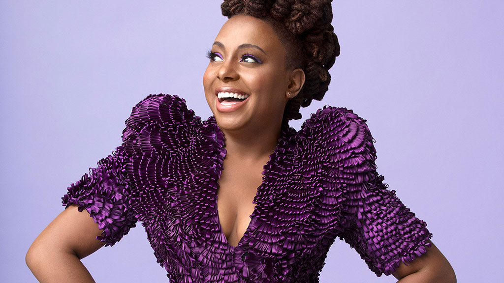 Headshot of musical artist Ledisi