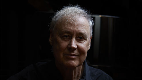 Headshot of Bruce Hornsby
